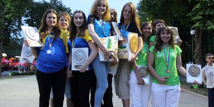 Чемпіонат України 2017, триплети, жінки
