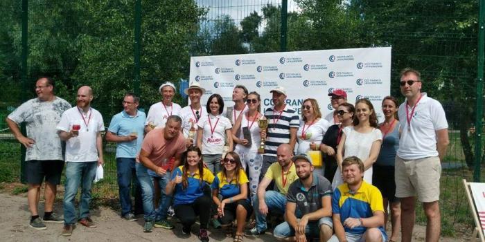 Працівники французьких компаній грали в петанк у Києві